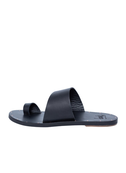 Beek Finch Sandal Black