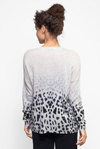 Kokun Faded Leopard Print Crew Sweater Cloud