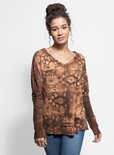 MA+CH Boyfriend V-Neck Walnut
