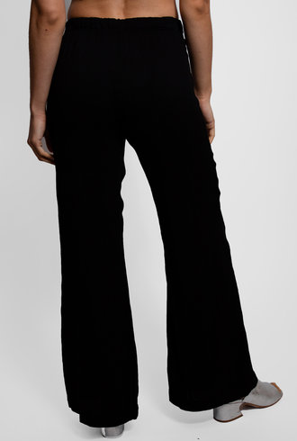 Raquel Allegra Black Pleated Rayon Flared Trouser