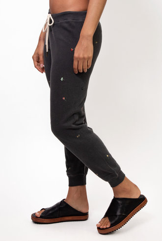 The Great The Cropped Sweatpant With Tossed Floral Embroidery Washed Black