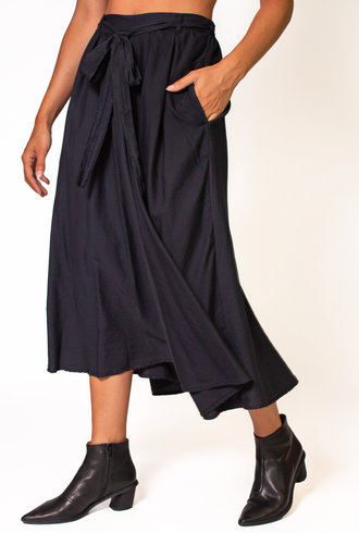 Xirena Bella Skirt Black