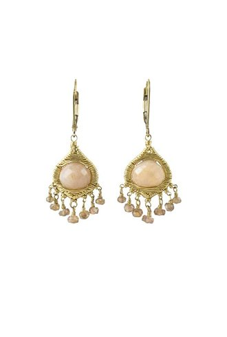 Dana Kellin Fashion Blush Mix with Gold Earrings