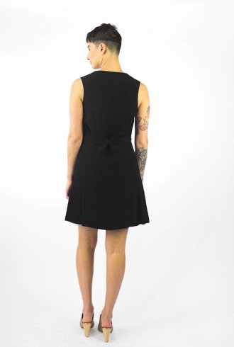 Pomandere Sleeveless V-neck Dress Noir