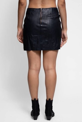 Burning Torch Incline Skirt Washed Black