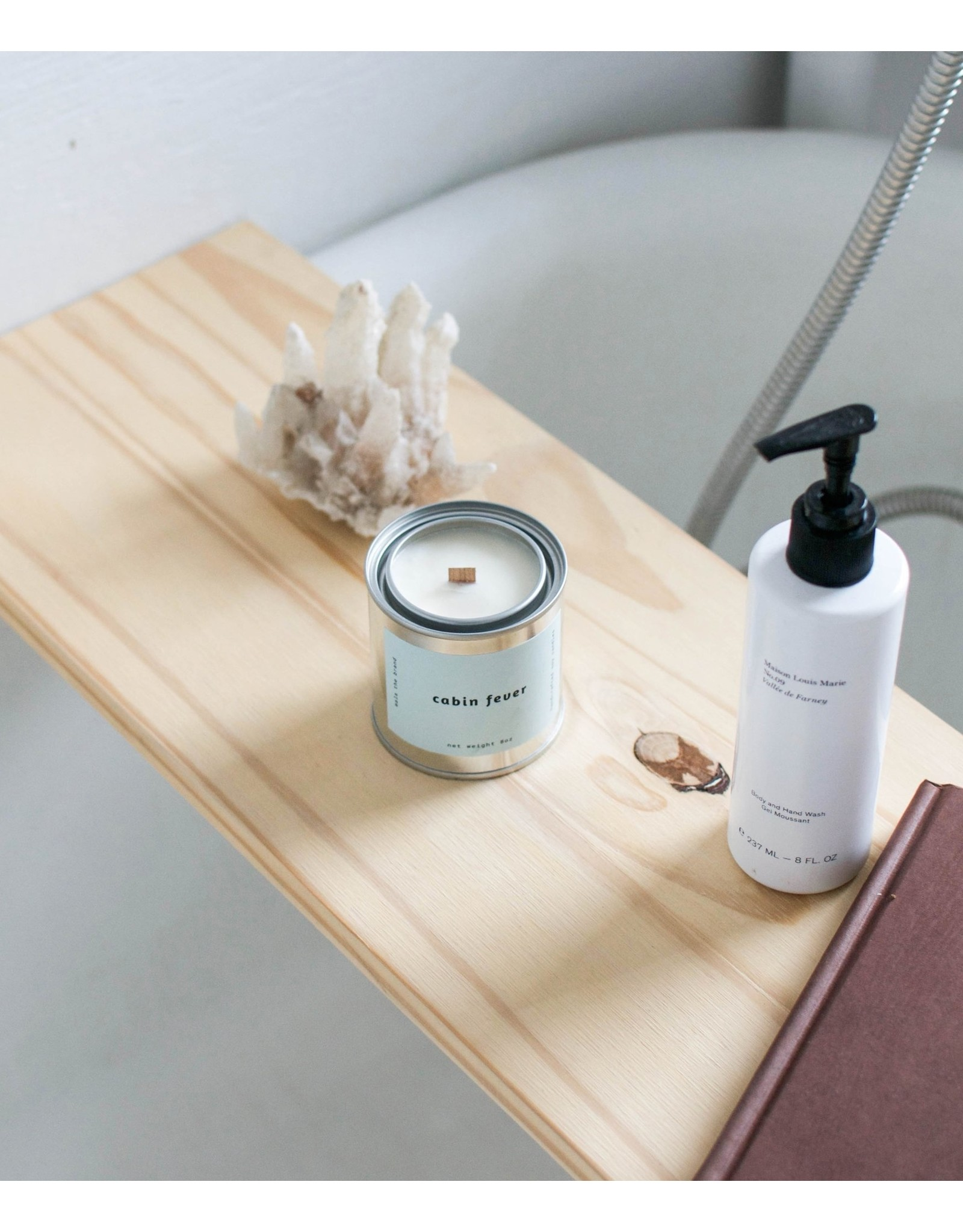 Mala The Brand Cabin Fever Candle / Cypress + Evergreen + Moss