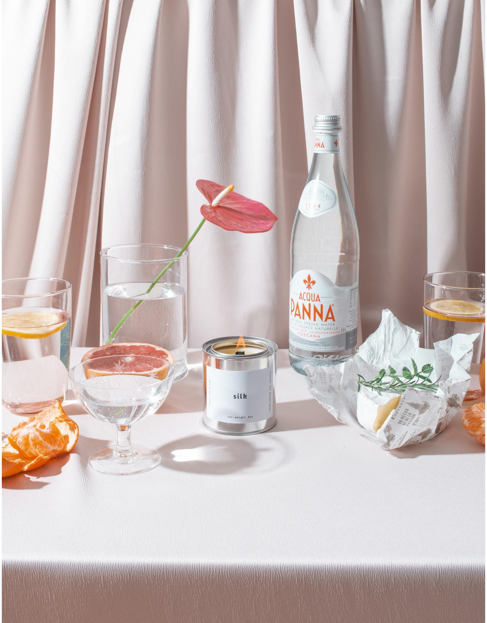 Mala The Brand Silk Candle / Jasmine + Coconut + Tonka Bean