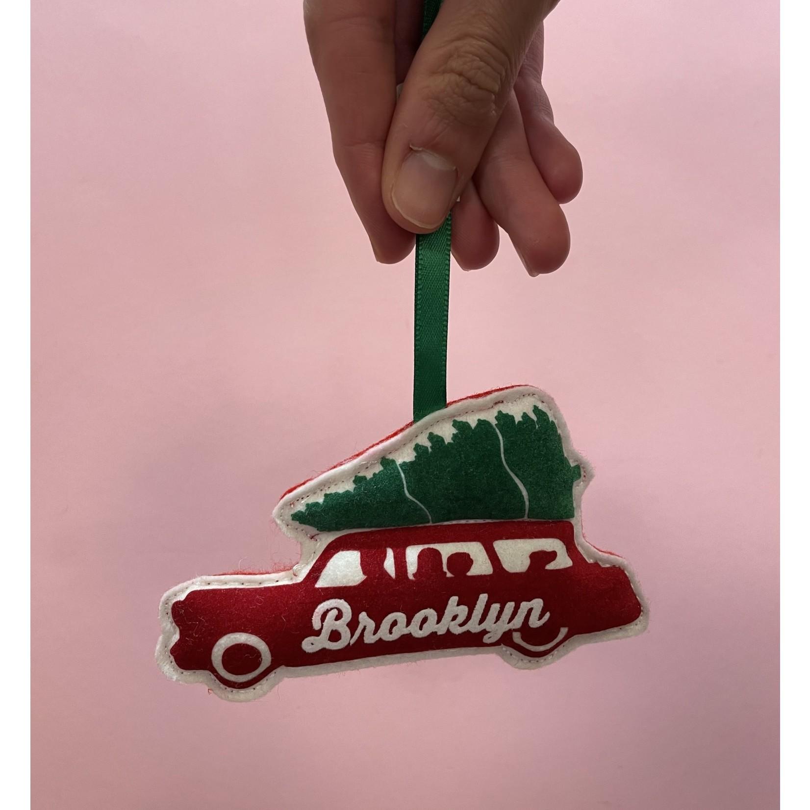 Station Wagon Ornament : Brooklyn