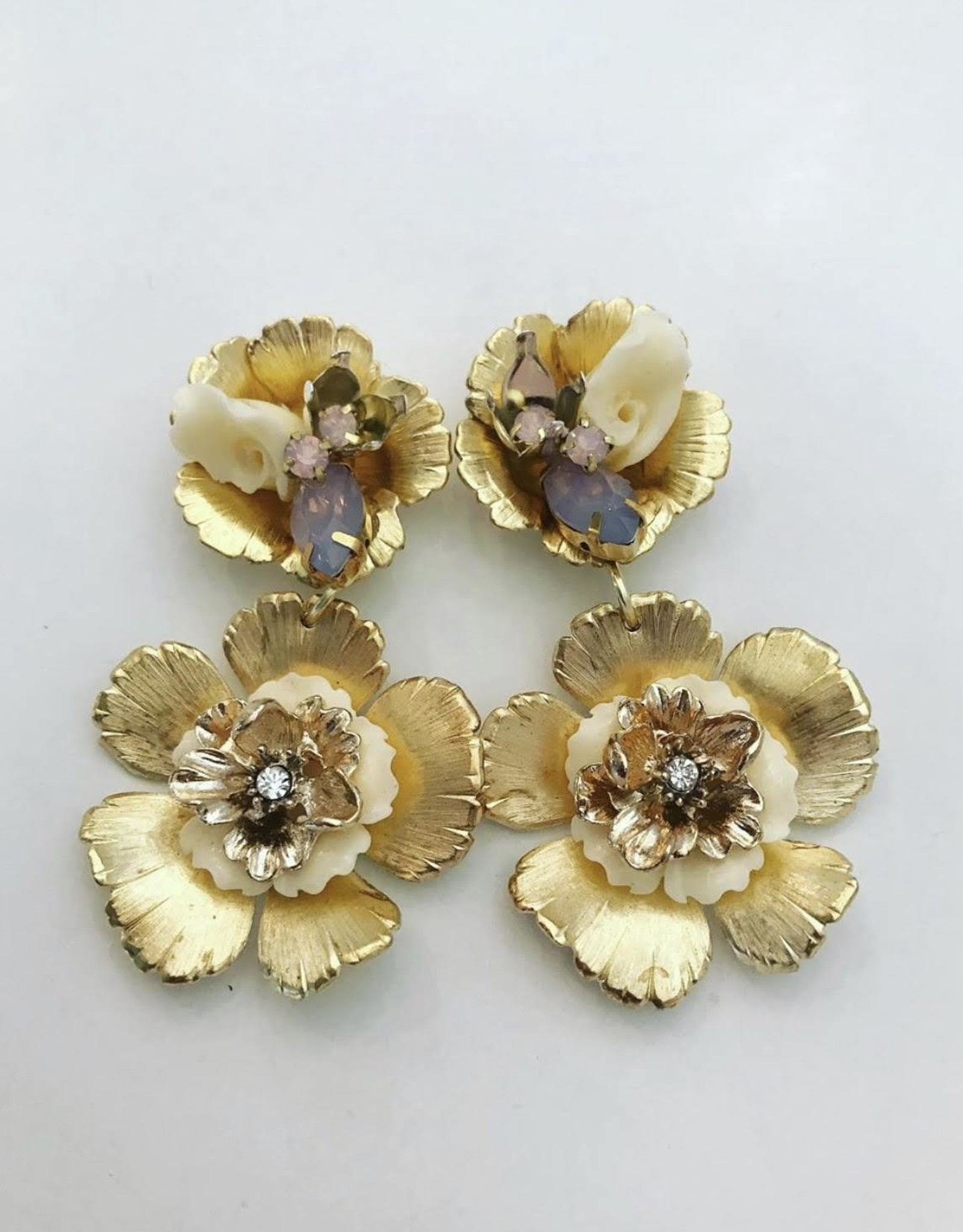 The Pink Reef Gold & Ivory Flowers
