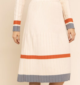 Gilli Cardinal Rule Skirt