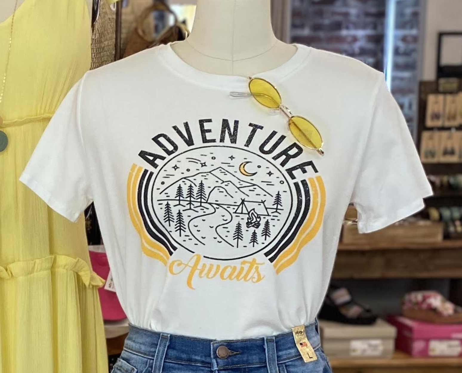 Tres Bien A Day to Adventure Graphic Tee