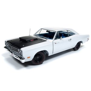 American Muscle Diecast . AMD 1/18 1969.5 Plymouth Road Runner Post Coupe (Hemmings Muscle Machines) - White