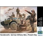 Masterbox Models . MTB 1/35 Bundeswehr German Military Men Present Day (5)
