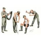 Masterbox Models . MTB 1/35 WWII German Auto-Repair Crew (4)