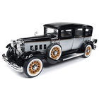 Auto World . AWD 1/18 1931 Peerless Master 8 Sedan
