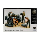 Masterbox Models . MTB 1/35 GERMAN MTRCYCLE RPR CREW