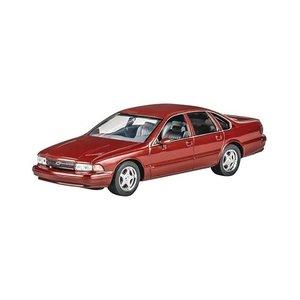 Revell Monogram . RMX 1/25 94 Chevy Impala SS