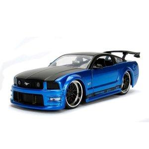 Jada Toys . JAD 1/24 2006 Ford Mustang GT - Blue