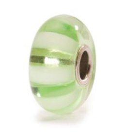 TROLLBEADS - Light Green Stripe