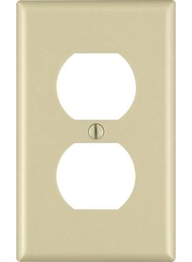 LEVITON LEVITON ONE GANG OUTLET WALLPLATE IVORY