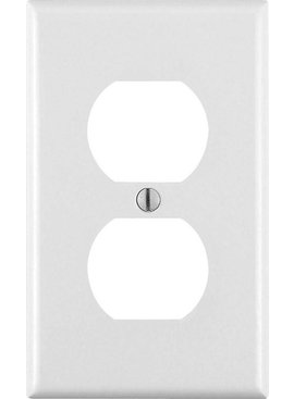 LEVITON WHITE SMOOTH PLASTIC OUTLET PLATE 1 GANG BULK