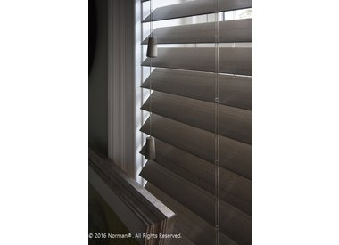 Smartprivacy® Normandy® Cordless Wood Blinds