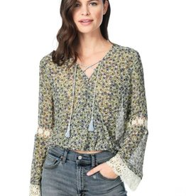 Cupcakes &Cashmere Wildflowers Printed Front Blouse