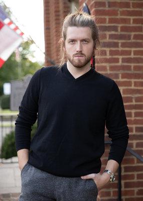 Phil Petter V-Neck Sweater