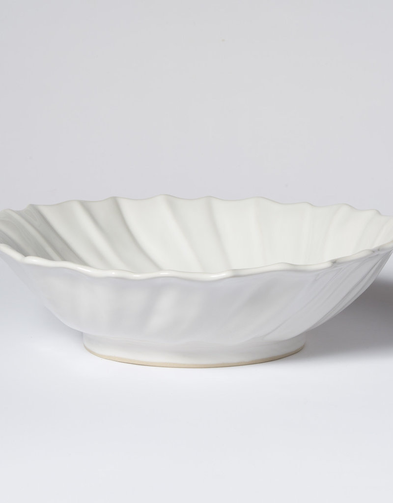 Vietri Incanto Stoneware Large White Ruffle Serving Bowl