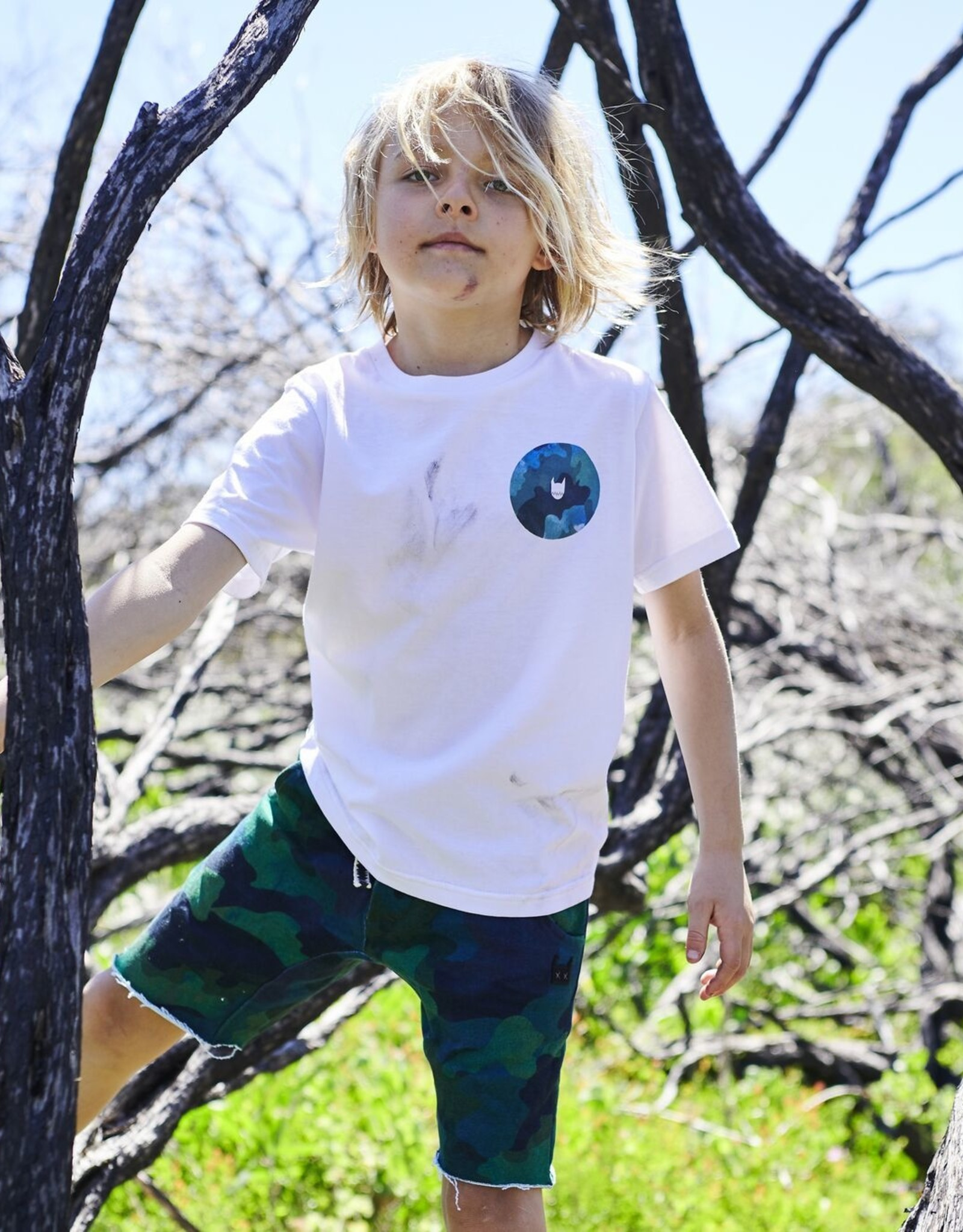Munster Kids camo hole tee