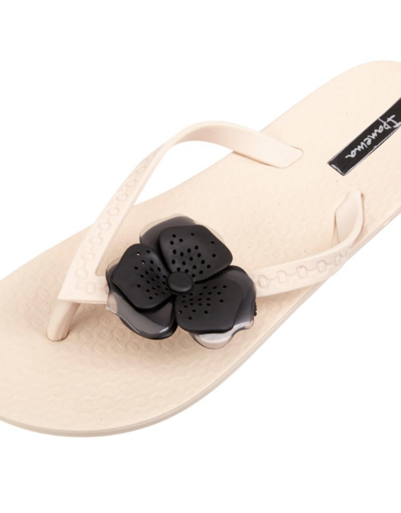 Ipanema Beige/Beige Neo Petal Sandals