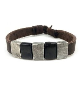 Mens Bracelet - Medal and Leather - B8031