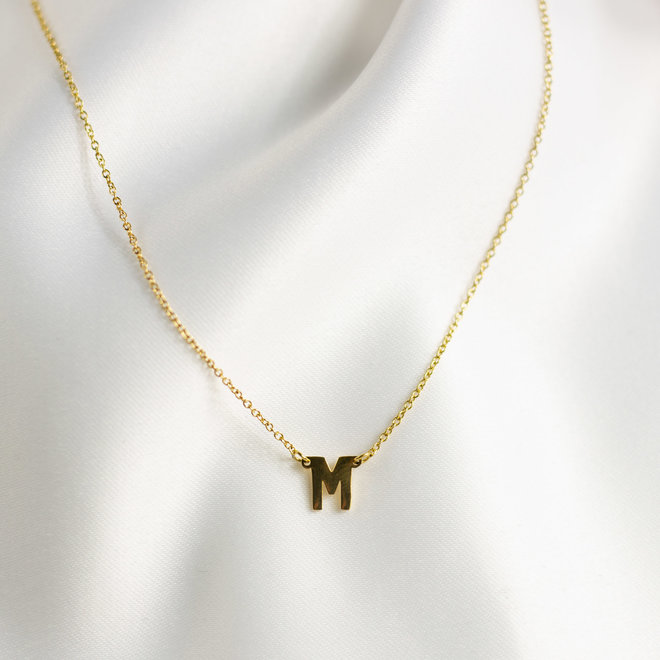 Collier pendentif lettre M - Or