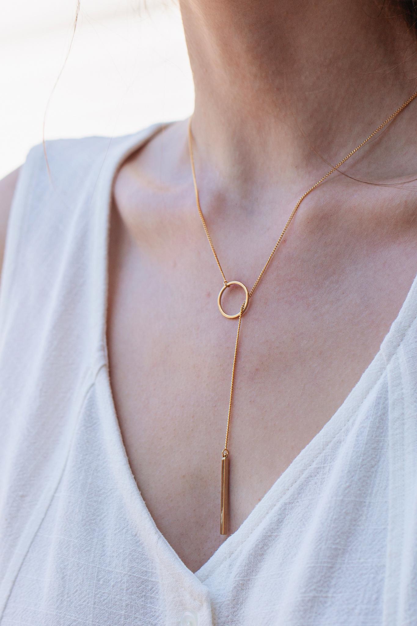 Circle & Bar Necklace