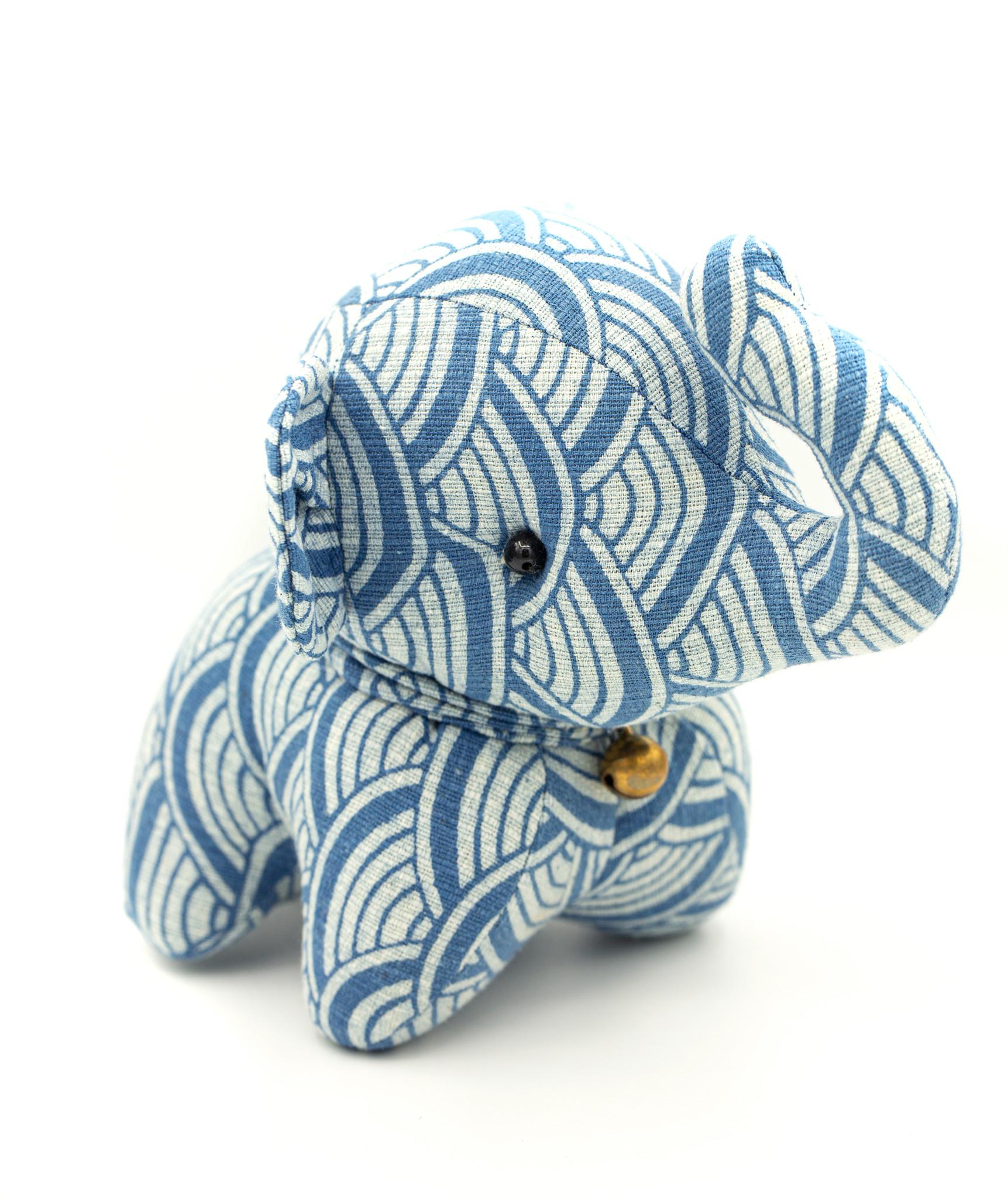 DE JOJO Elephant Plushie