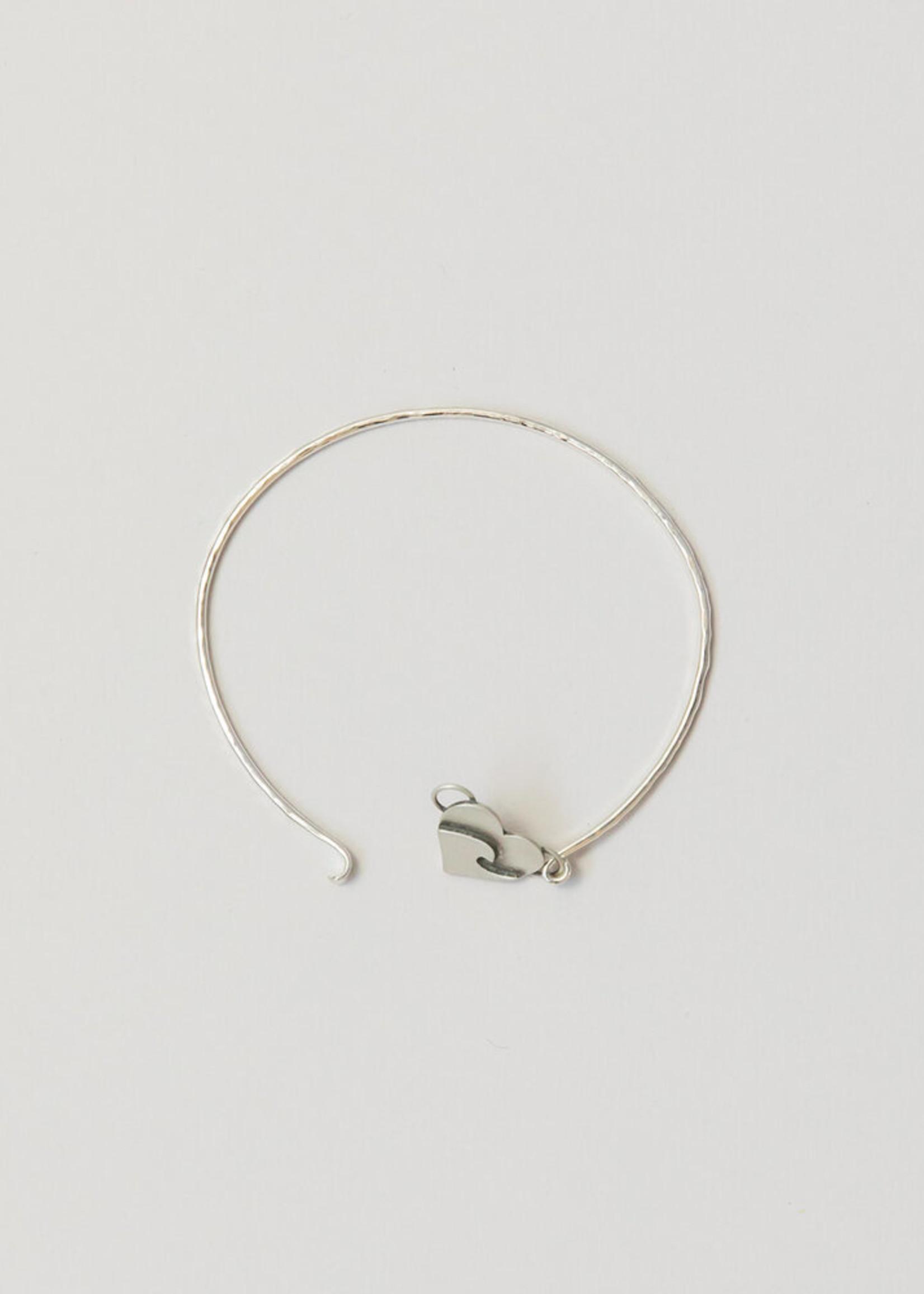 Loops Silver Heart Bracelet Wave