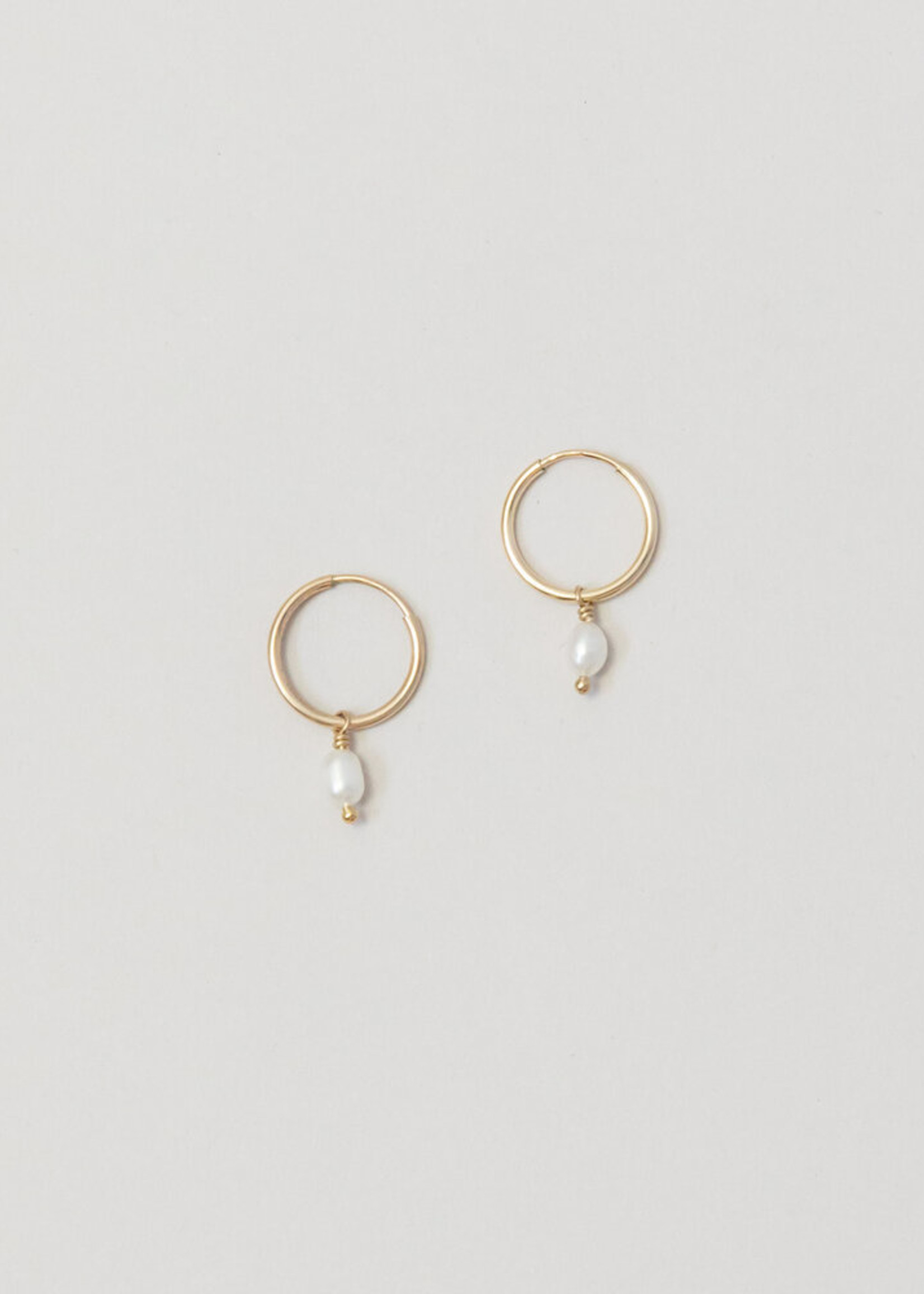 Loops Gold Dewdrop Pearl Earrings