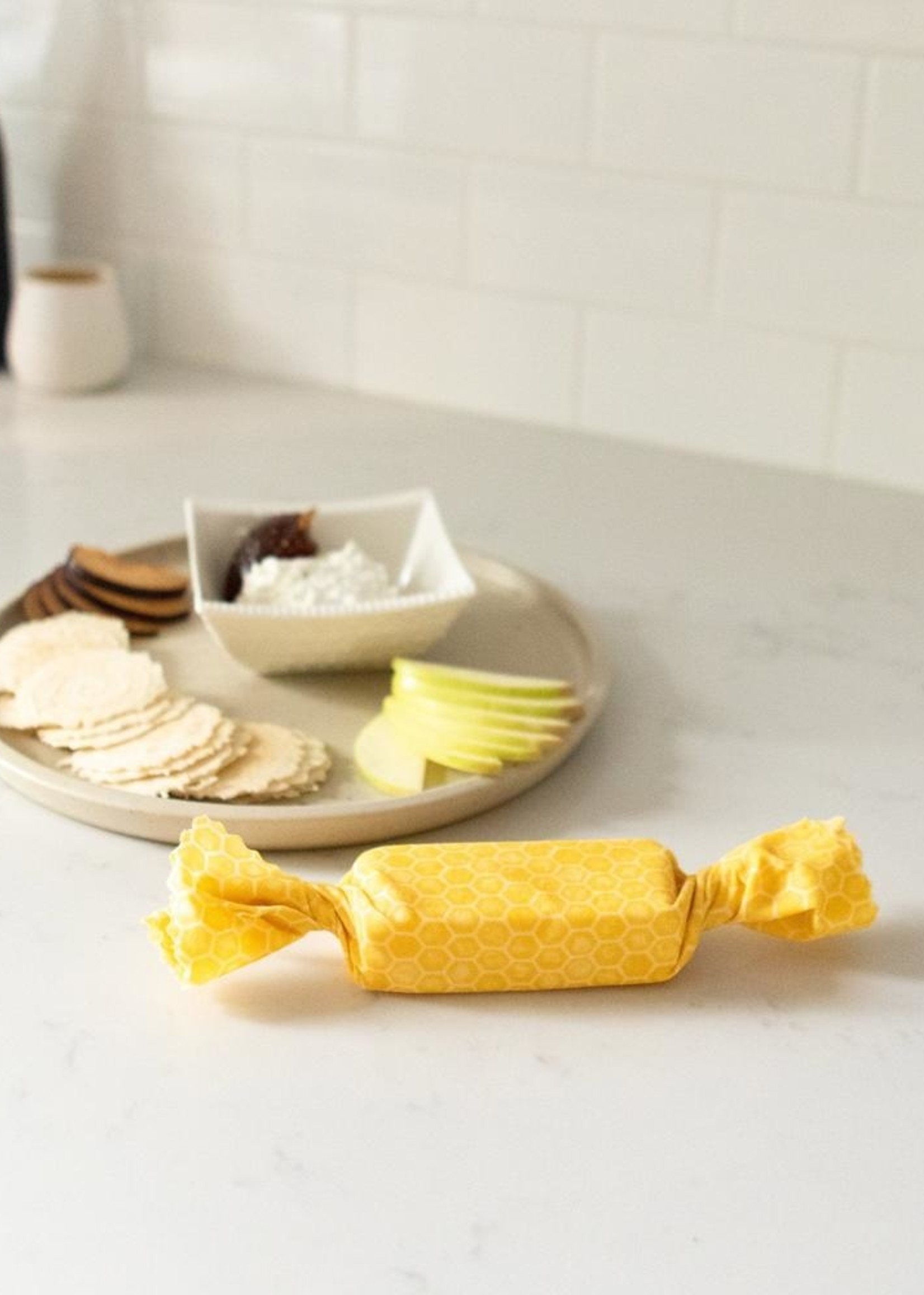 Golidilocks Sustainable Goods Goldilocks Honeybee Set 3 Beeswax Wraps