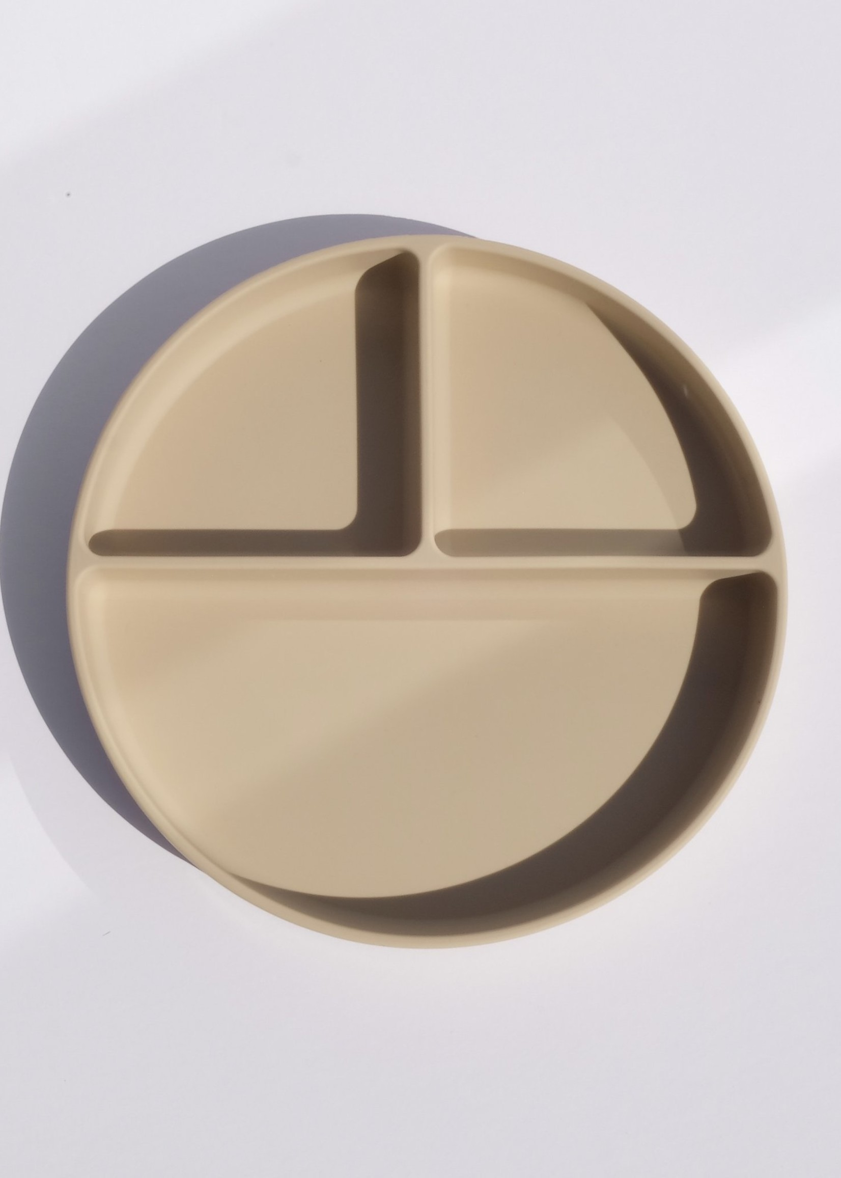 Juniper & Elliot Juniper + Elliot - Round Plate - Oatmeal
