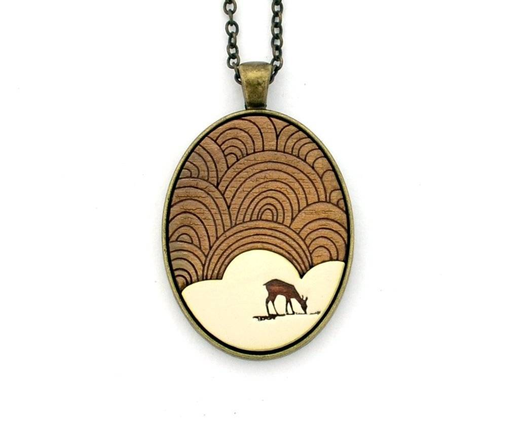 Deer Oval Necklace White