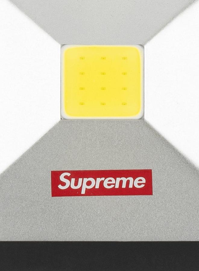 Supreme Kickstand Light