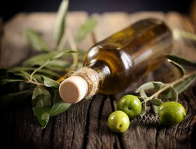 Olive Oil Is Still the King of Oils for Your Heart and Here's Why