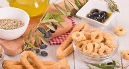 Crackers & Breadsticks
