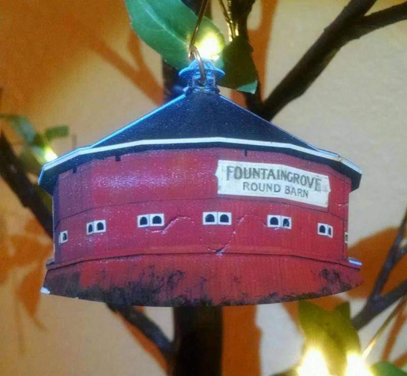 Green Tree Jewelry Ornament/ Round Barn
