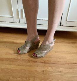 Taupe Heel