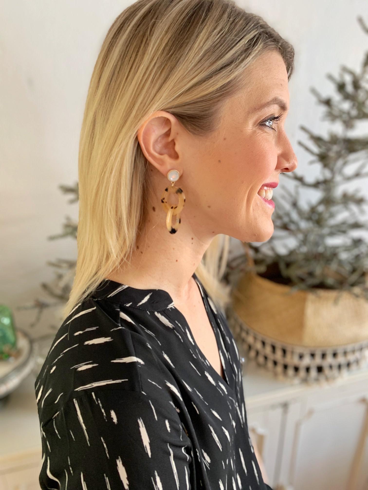 Tortoise Chain Drop Earrings