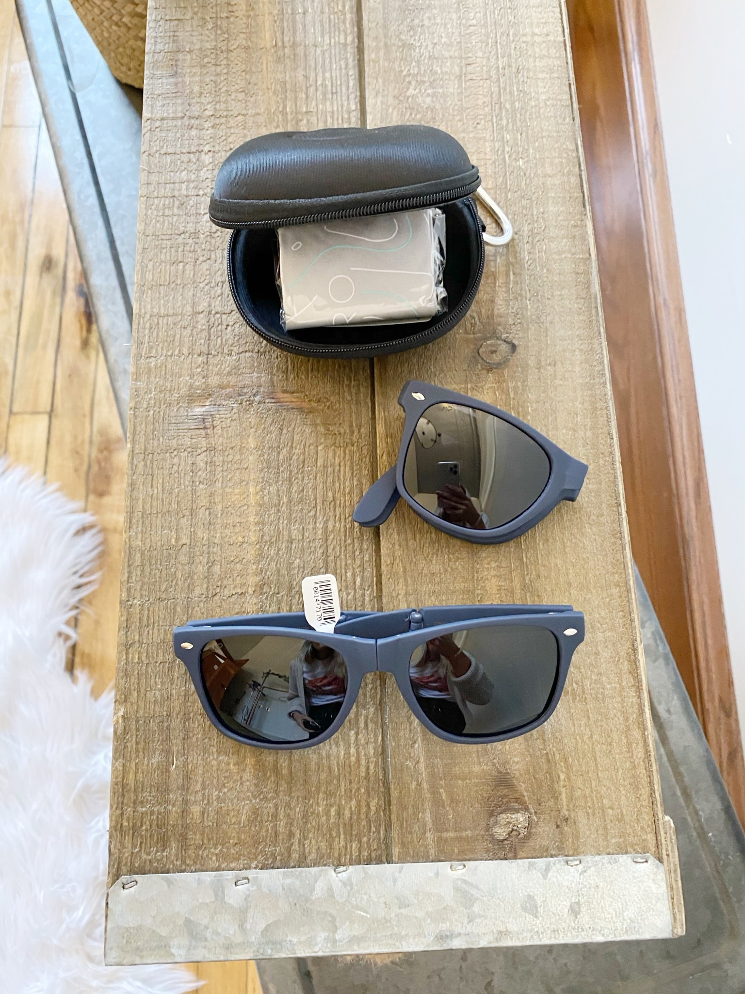 Navy Foldable Sunglasses + Case