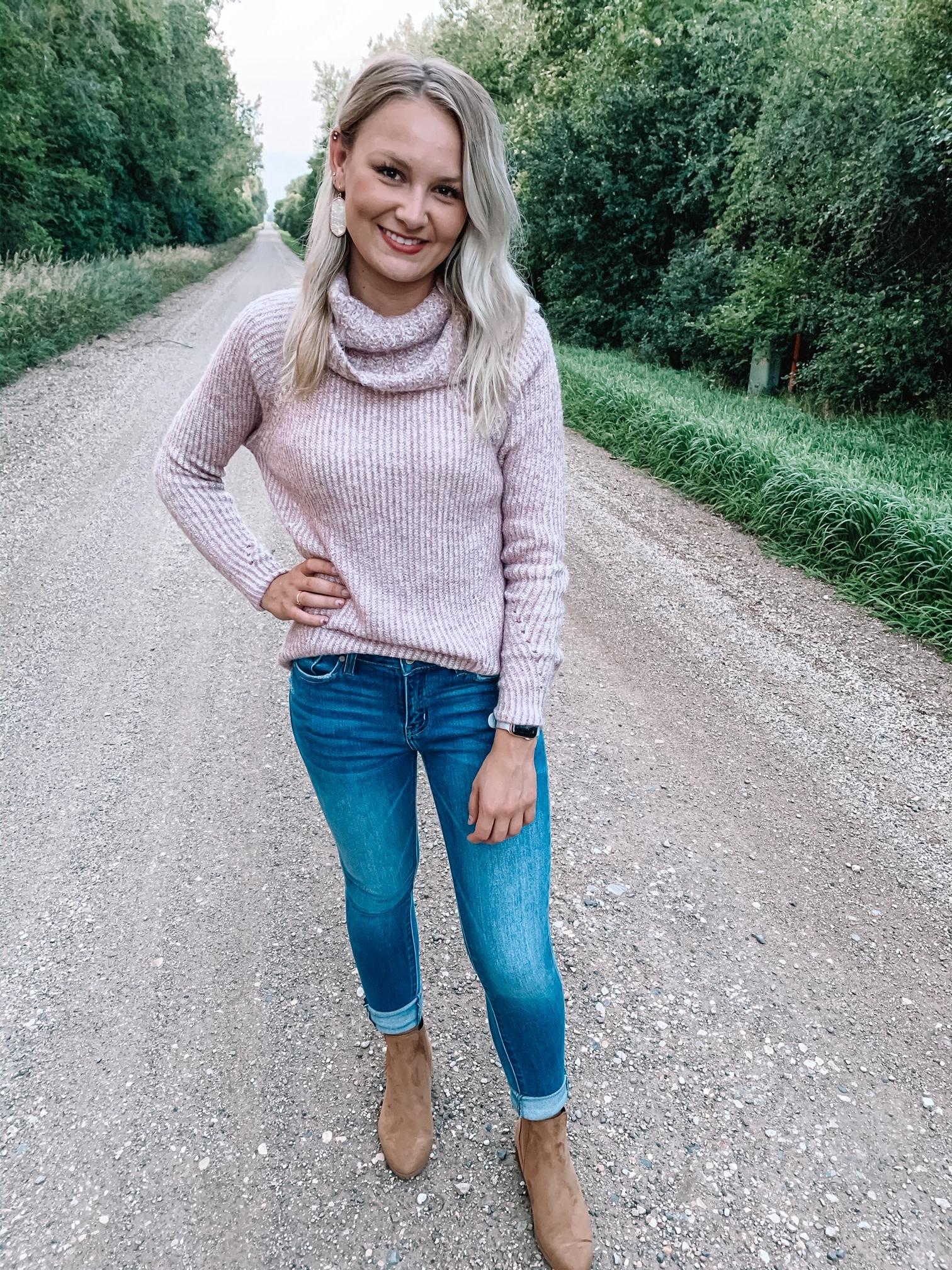 Lydia Mauve Turtleneck