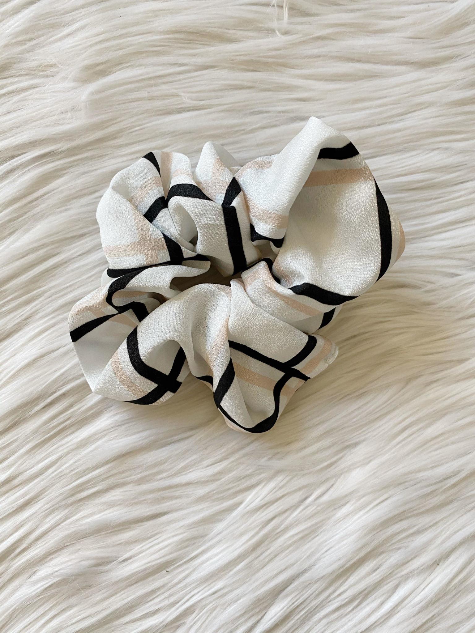 Black + Blush Checkered Scrunchie