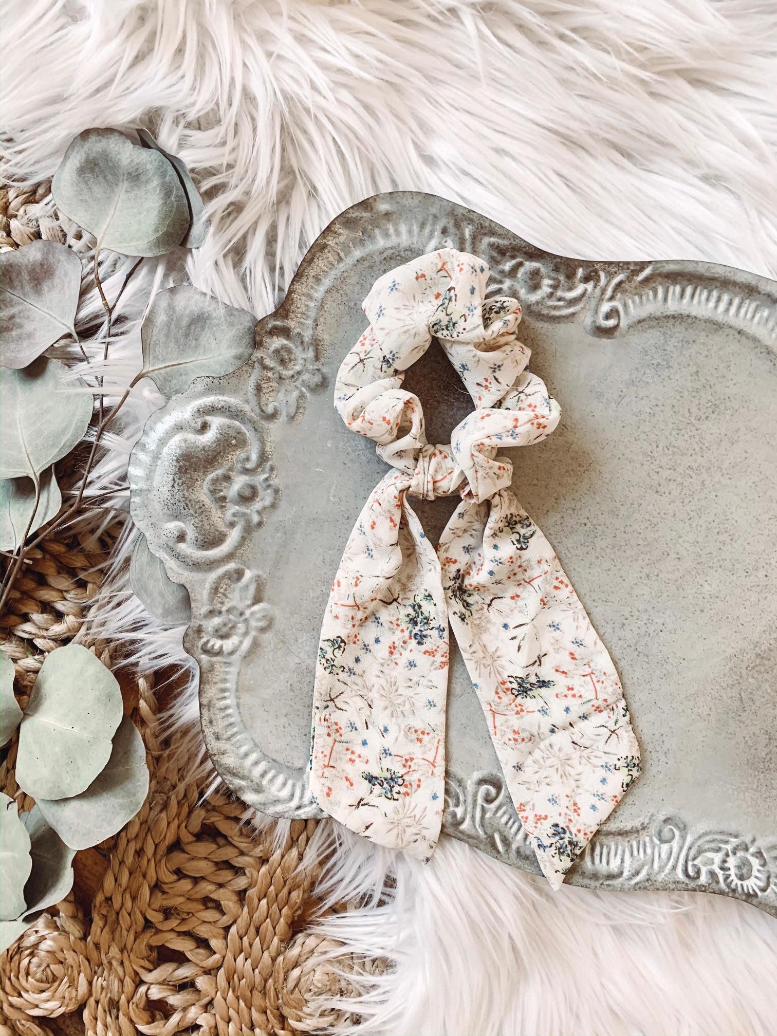 Cream Floral Tail Scrunchie